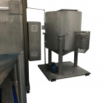Solvent refinement tank for distillation