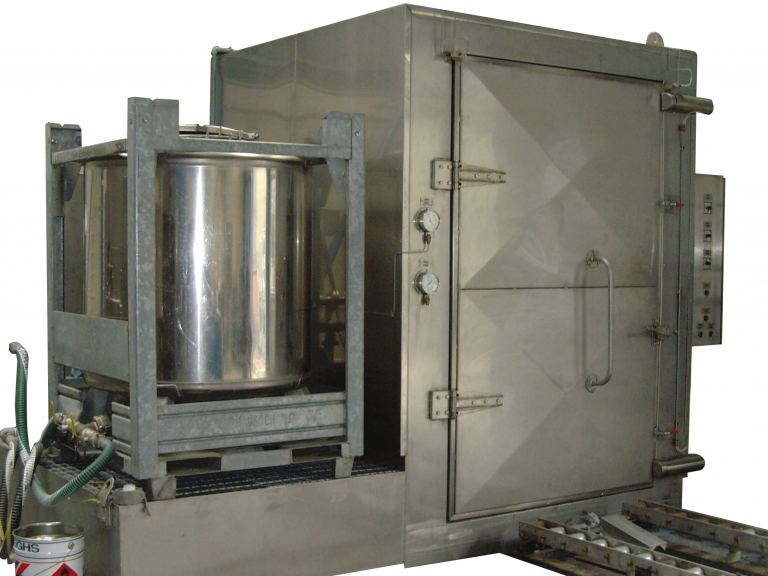 IBC washer with solvent refinement tank