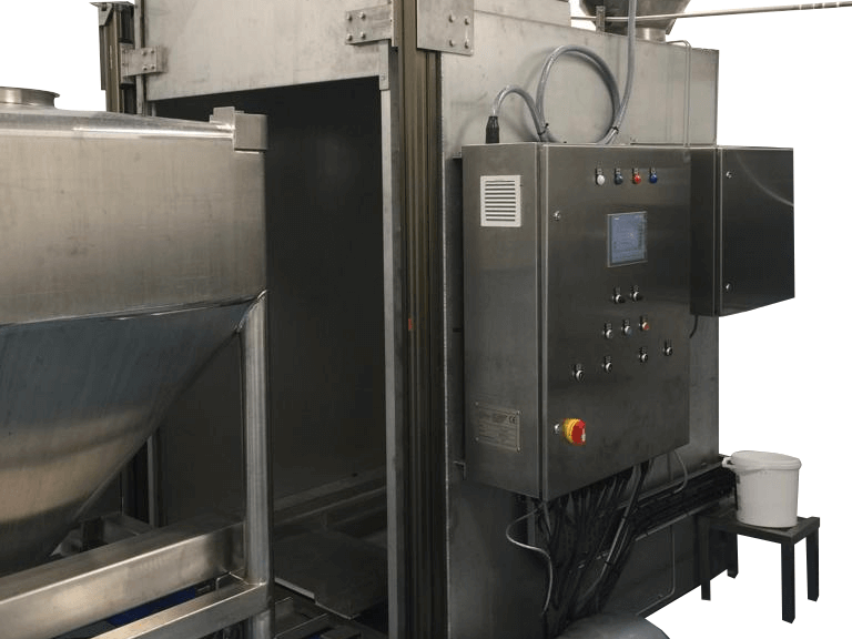Steel Ibc washer in operation